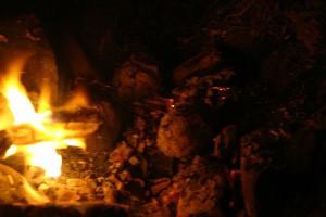 Kartoffel im Feuer