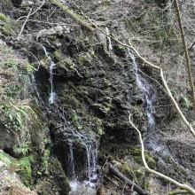 Foto eines wilden Wasserlaufs in der Nähe der Castagnola