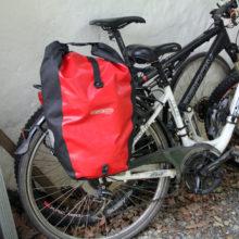 Foto von Fahrradsatteltasche an einem Fahrrad montiert - Transporte mit dem Fahrrad, leicht gemacht!