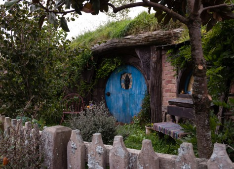 Foto von einem Hobbithaus.