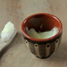 Leckere, selbst gemachte Zahnpasta