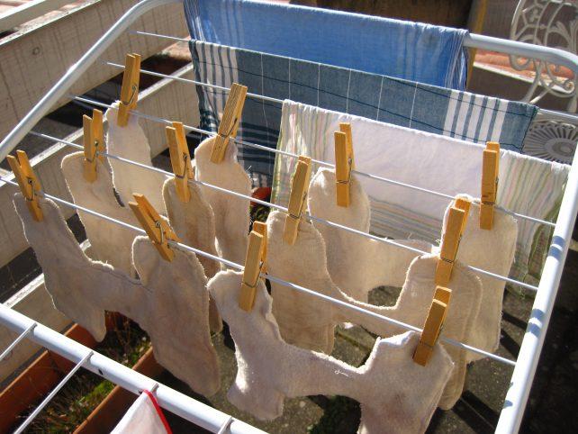 Stoffbinden an der Wäscheleine